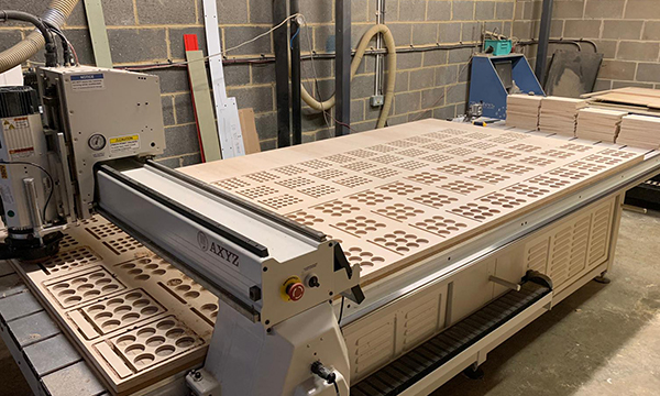 CNC cutting router